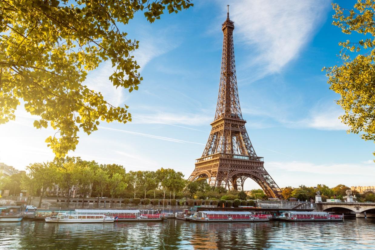 Les 10 villes les plus touristiques de france carigami for Lieux touristiques paris