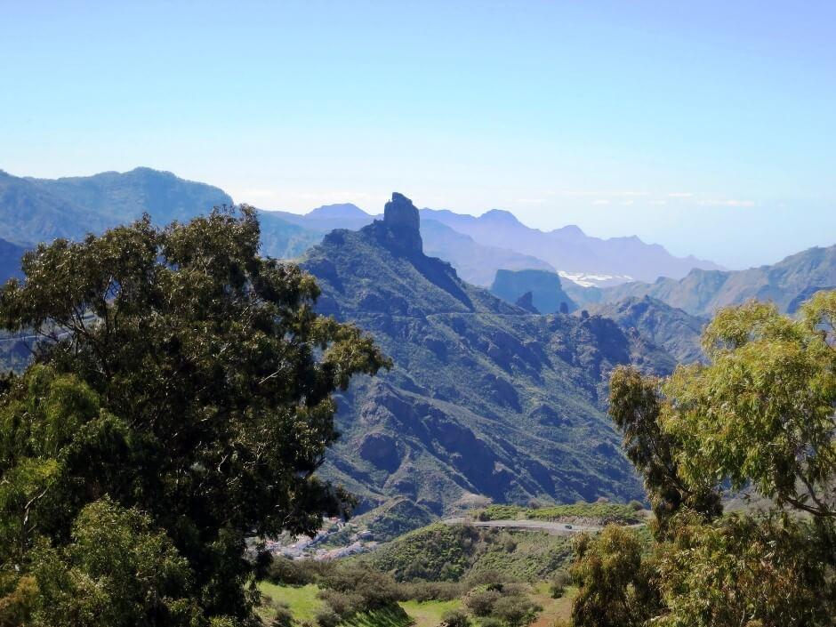 Vue des montagnes de l'île de Gran Canaria aux Canaries en Espagne.
