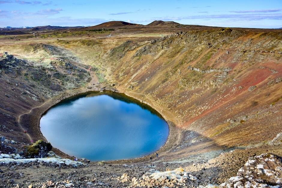 Vue du cratère de Kerið en Islande.