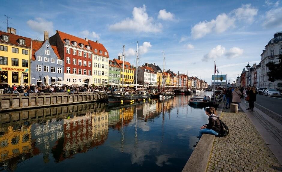 Vue du Nyhavn à Copenhague au Danemark.