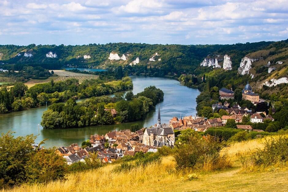 Vue des Andelys en Normandie.