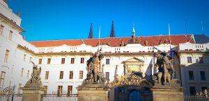 L'entrée du château de Prague.