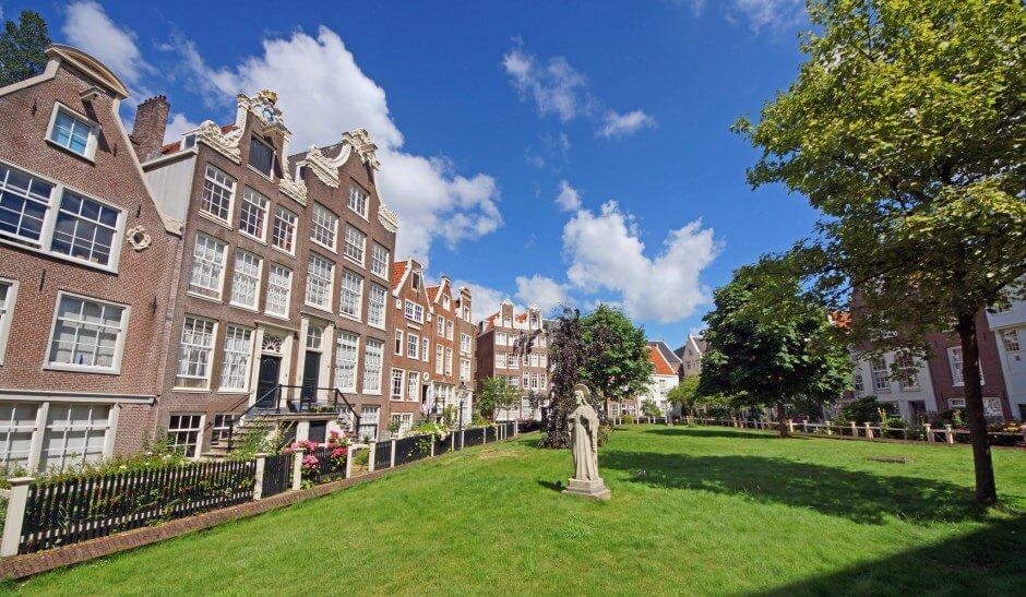 Vue du béguinage d'Amsterdam.