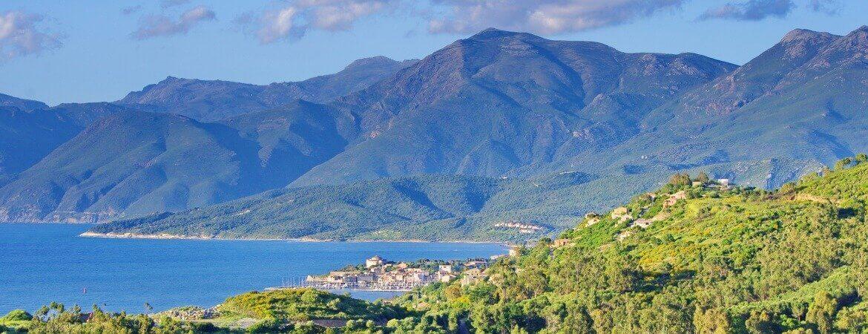 Vue sur Saint-Florent en Corse.
