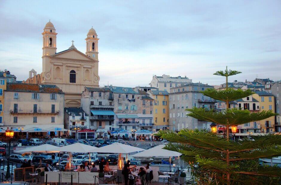 Vue du port de Bastia en Corse.
