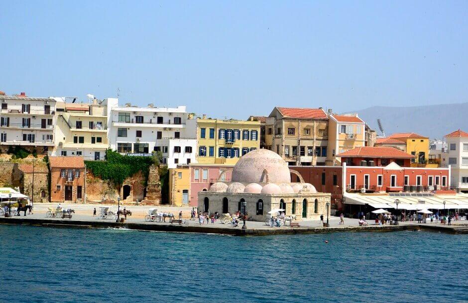 Vue du port de La Canée en Crète.
