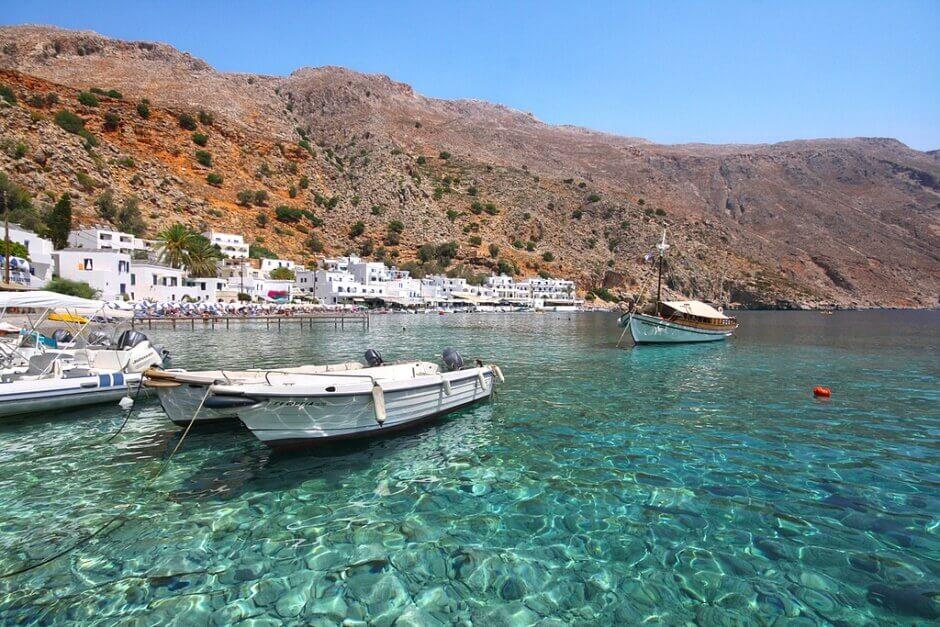 Vue de la baie de Loutro en Crète.