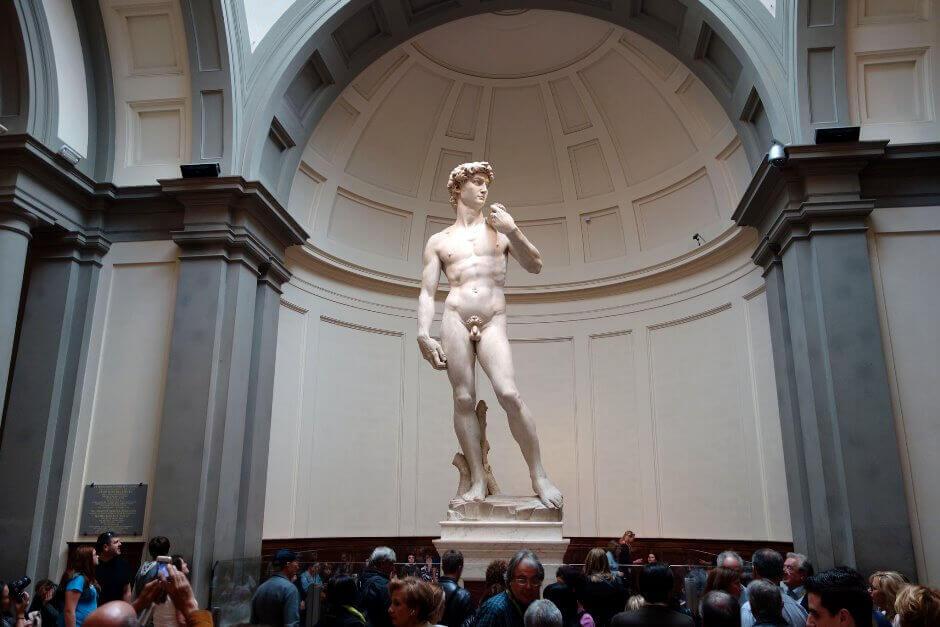 La statue de David par Michel-Ange à la Galerie de l'Académie.