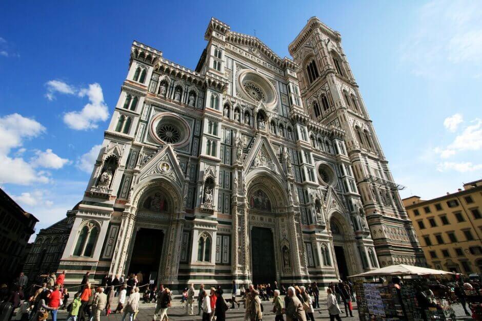 Vue de la façade de la cathédrale de Florence.