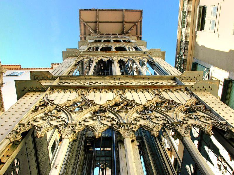 Ascenseur monumental à Lisbonne.