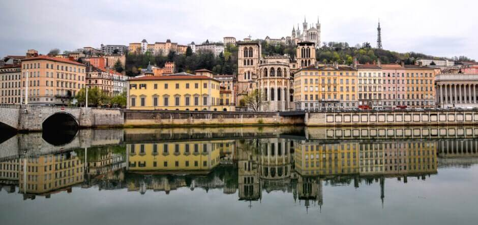 Vue du vieux Lyon, le long du Rhône.