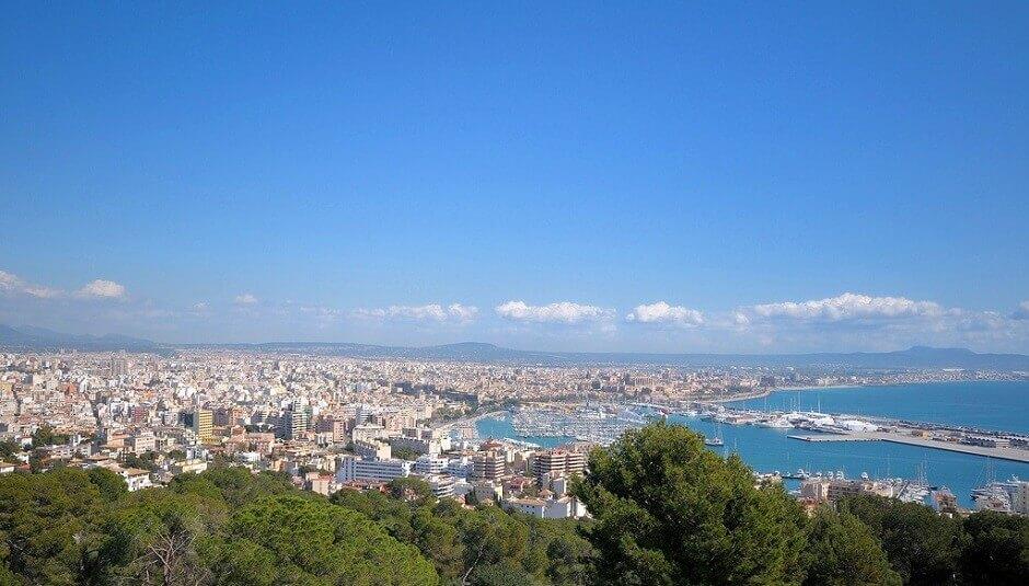Panorama sur la baie de Palma de Majorque.