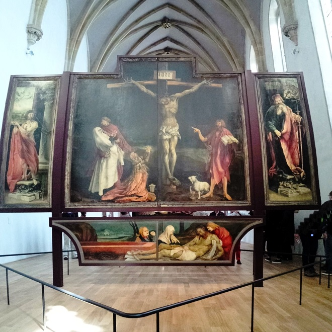 Vue du retable d'Issenheim au musée d'Unterlinden à Colmar en Alsace.