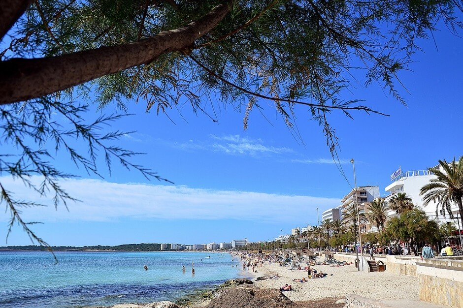 Vue de la plage de Cala Millor à Majorque.