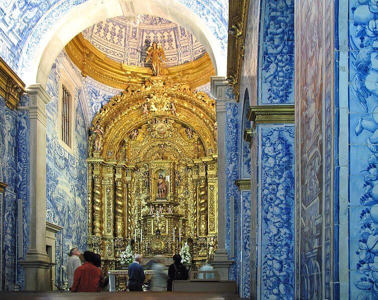 Vue de l'intérieur de l'église de Sao Lourenco dos Matos.