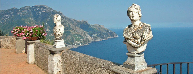 Vue de la côte amalfitaine en Italie.