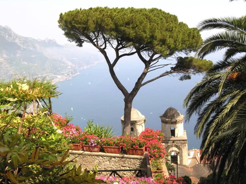 Panorama depuis le village de Ravello en Italie.