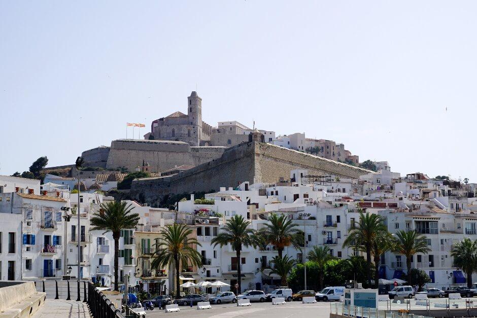 Vue de la ville d'Ibiza.