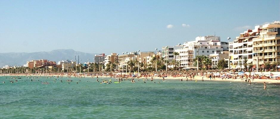 Vue de la plage d'El Arenal à Majorque.