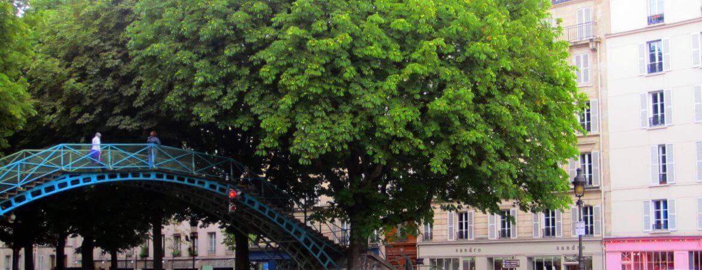Vue des quais du canal Saint-Martin à Paris.