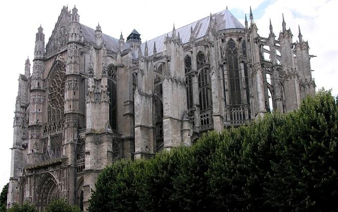 Vue sur la cathédrale de Beauvais dans l'Oise.