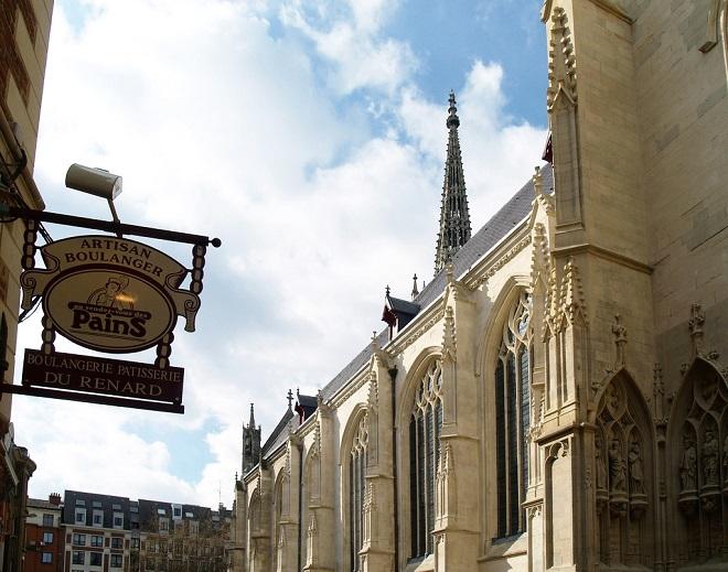 Vue d'une vieille église de Lille.