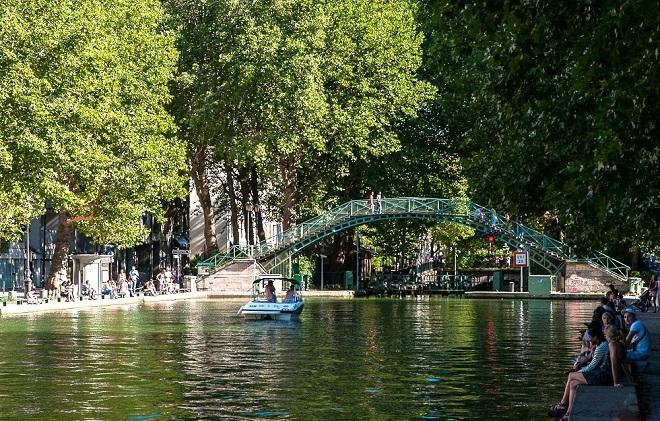 Vue du canal Saint-Martin à Paris.