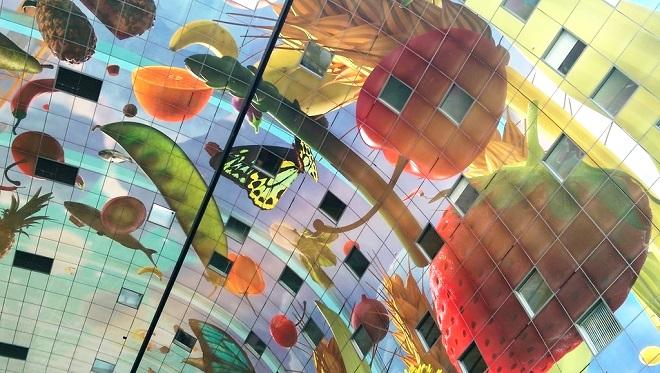 Vue de la voûte du marché couvert de Rotterdam.
