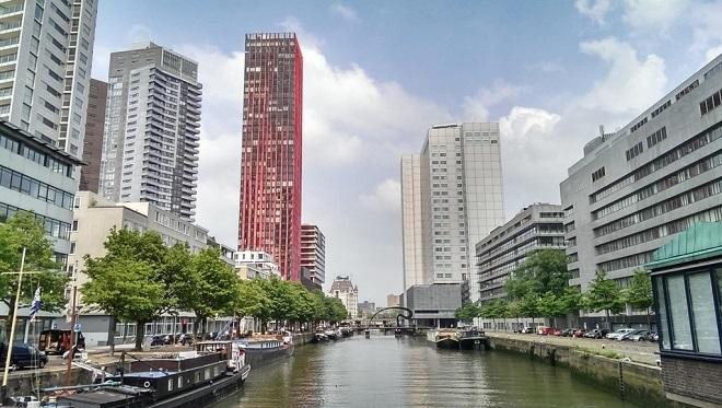 Vue des nouvelles tours construites à Rotterdam.