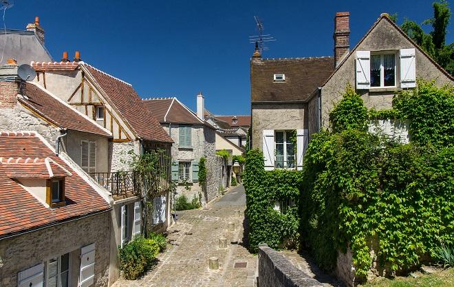 Vue d'une rue de Senlis dans l'Oise.