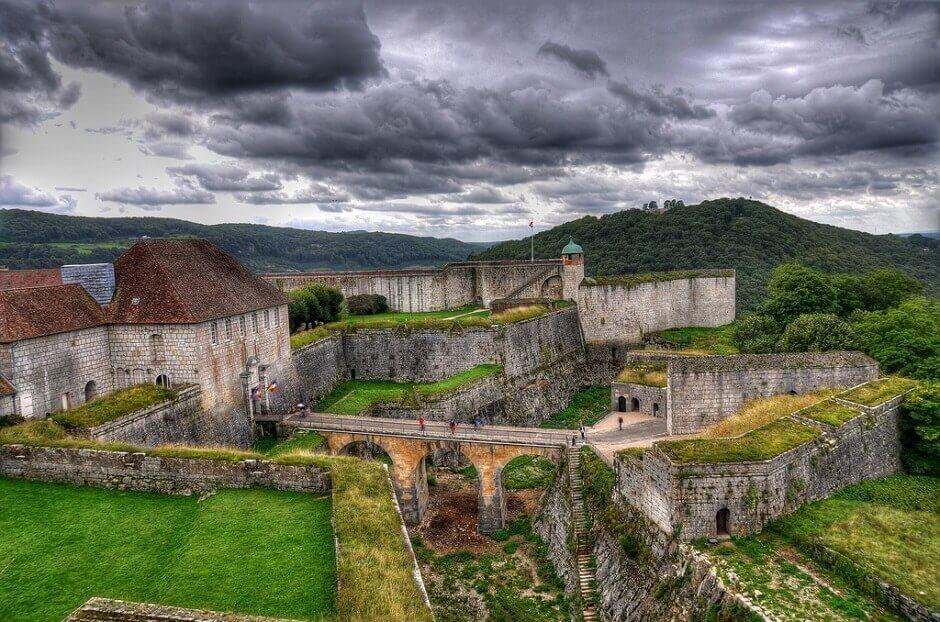 Vue de la citadelle de Besançon.