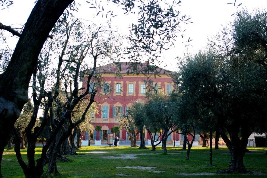 Façade du musée Matisse à Nice.
