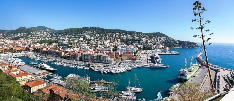 Panorama sur le port de Nice.