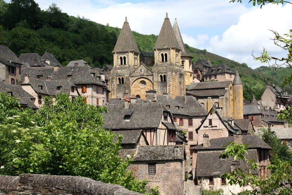 Vue du village de Conques.