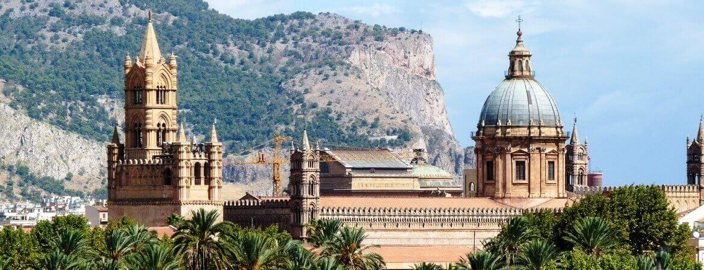 Vue de la cathédrale de la ville de Palerme.