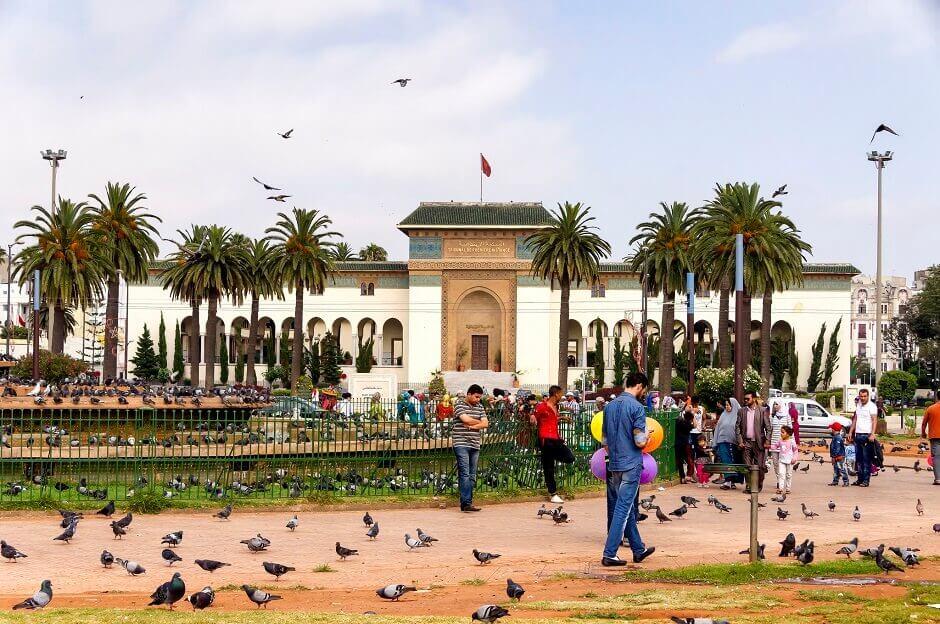 Vue d'une place à Casablanca.