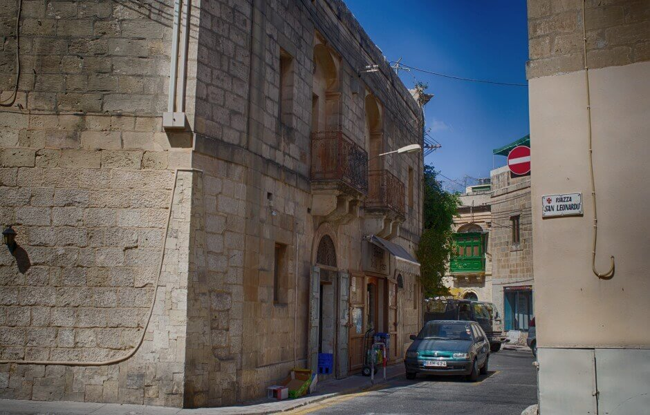 Vue d'une petite rue de Malte.