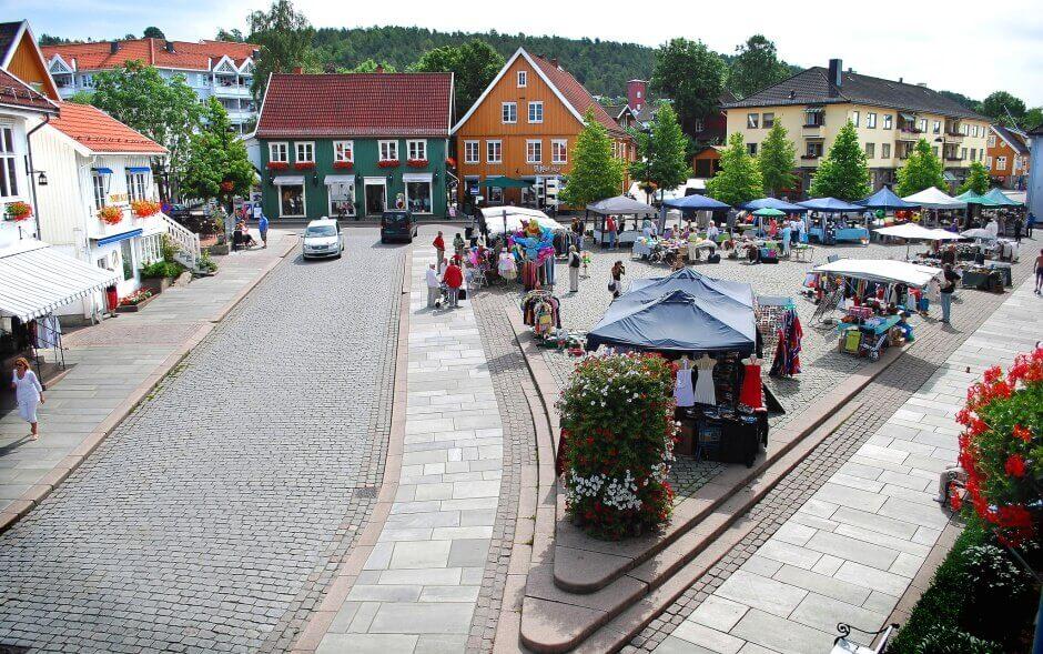 La place centrale de Drøbak, près d'Oslo.