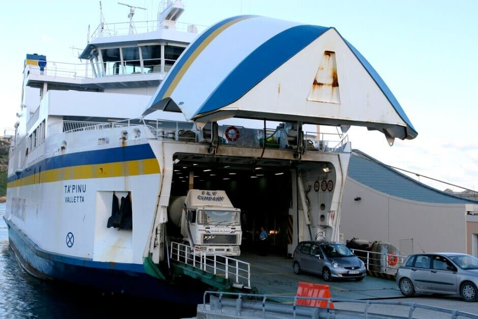 Un ferry à Malte.