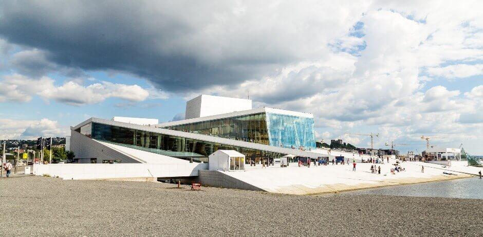 Vue sur l'opéra d'Oslo.