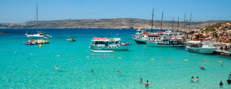 Une plage sur l'île de Malte.