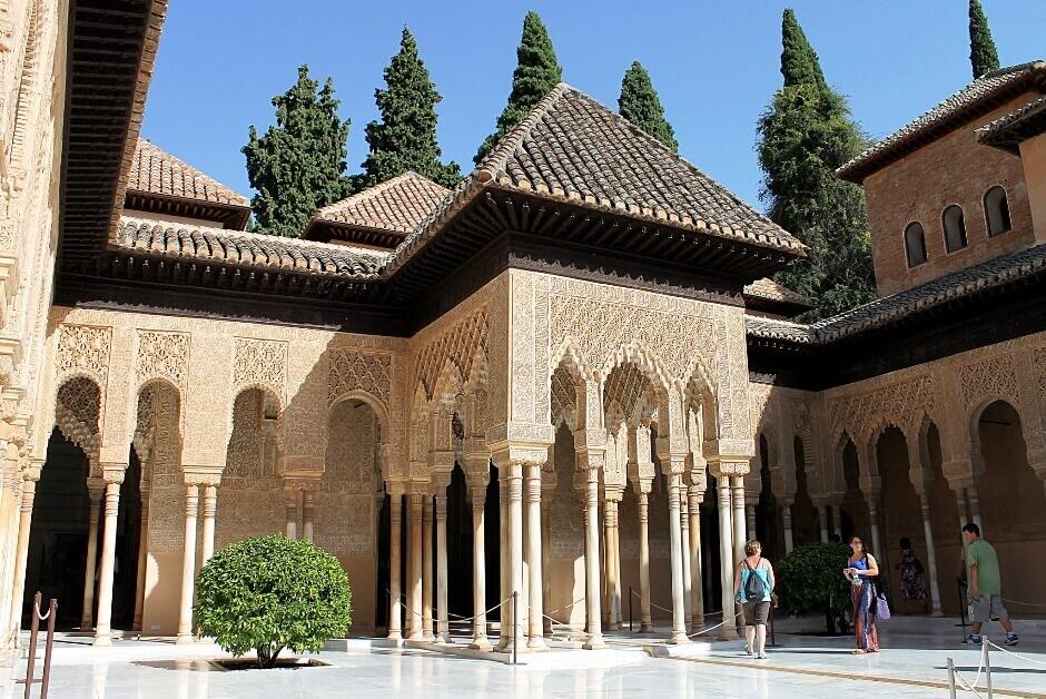 Un palais arabe en Andalousie.