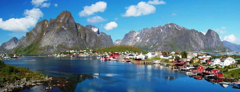 Un village de pêcheur aux îles Lofoten.