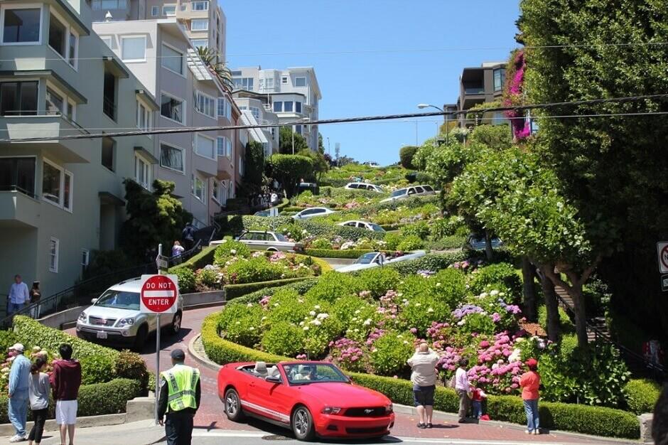 Lombard Street à San Francisco.