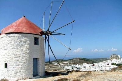 Vue d'un moulin sur l'île grecque d'Amorgos.