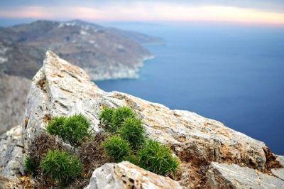 Vue de l'île de Folégandros en Grèce.