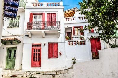 Vue des maisons de Skopelos en Grèce,