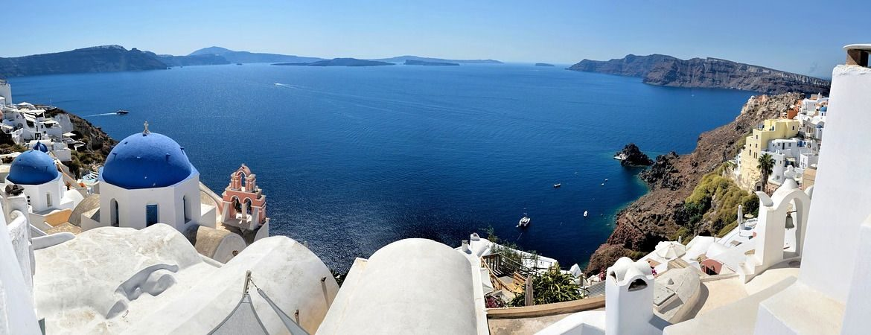 Vue panoramique de l'île de Santorin en Grèce.