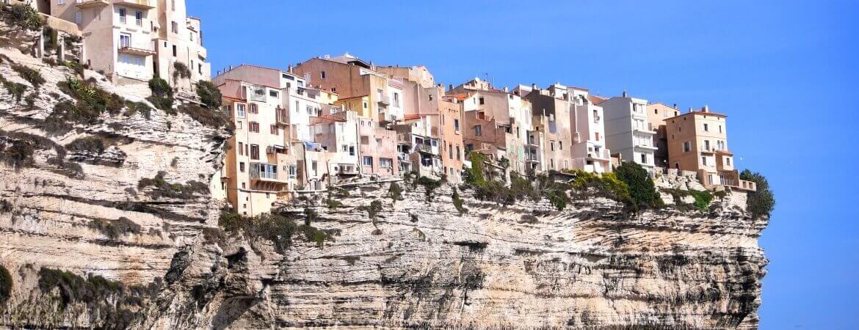 Vue des falaises de Bonifacio.