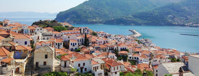 Vue de l'île de Skopelos en Grèce.